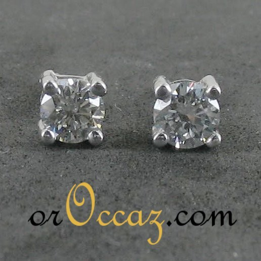 Clous d'oreilles diamants